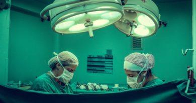 Większość zabiegów podwójnej mastektomii jest wykonywana niepotrzebnie