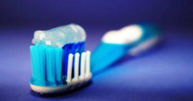 Odkryto nieoczekiwane niebezpieczeństwo związane z używaniem szamponu i pasty do zębów