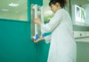 Brytyjska firma opracowała specjalny uchwyt do drzwi w szpitalach
