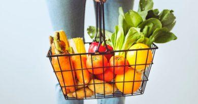 Spożywanie niewystarczającej ilości owoców i zbóż jest gorsze niż spożywanie zbyt dużej ilości mięsa