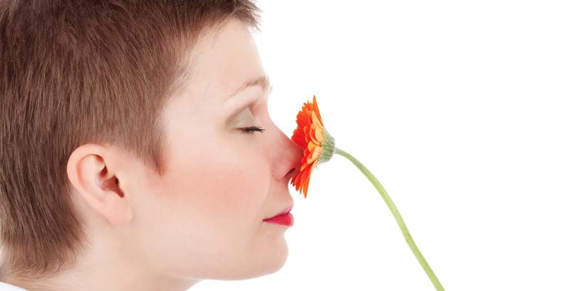 Utrata węchu to nie tylko objaw koronawirusa. Wskazuje też na wczesne stadium…