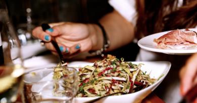 Czy pomijanie kolacji prowadzić do przyrostu masy ciała?