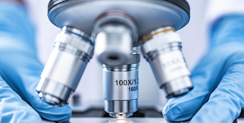 Opracowano metodę szybkiej analizy mutacji koronawirusa. Na czym polega?