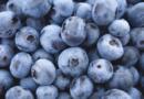 Jedzenie jagód korzystnie wpływa na serce. Obniża ciśnienie krwi i zmniejsza ryzyko zawału